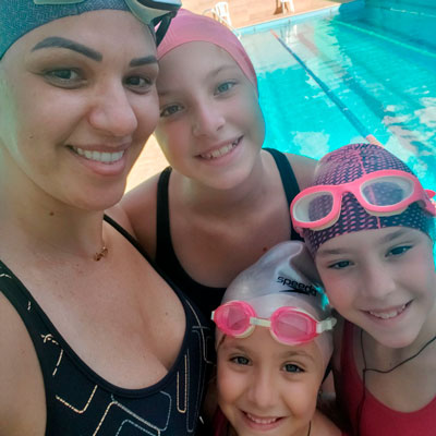 Foto da Christine com as suas 3 filhas
